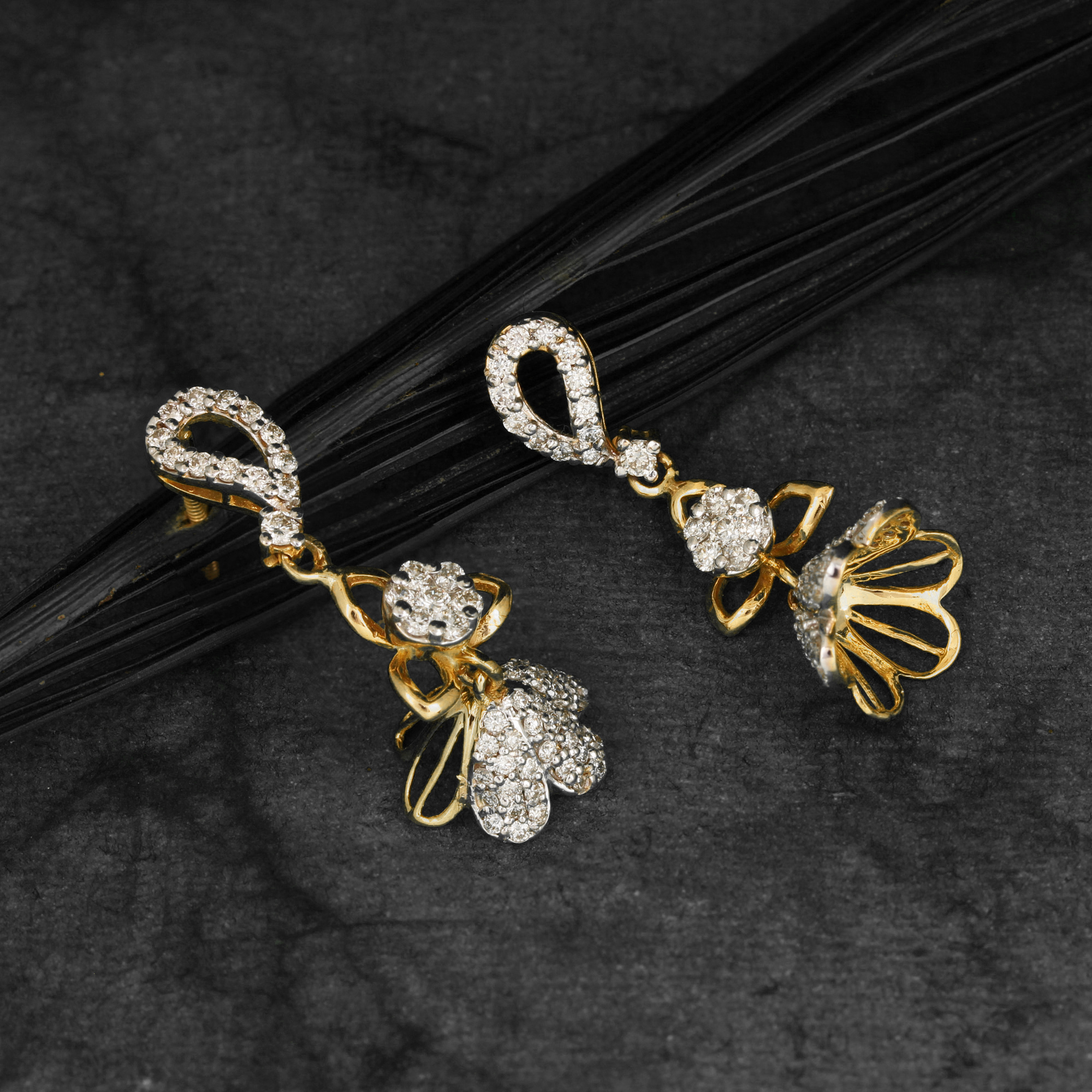 Attractive Earring In Gold
