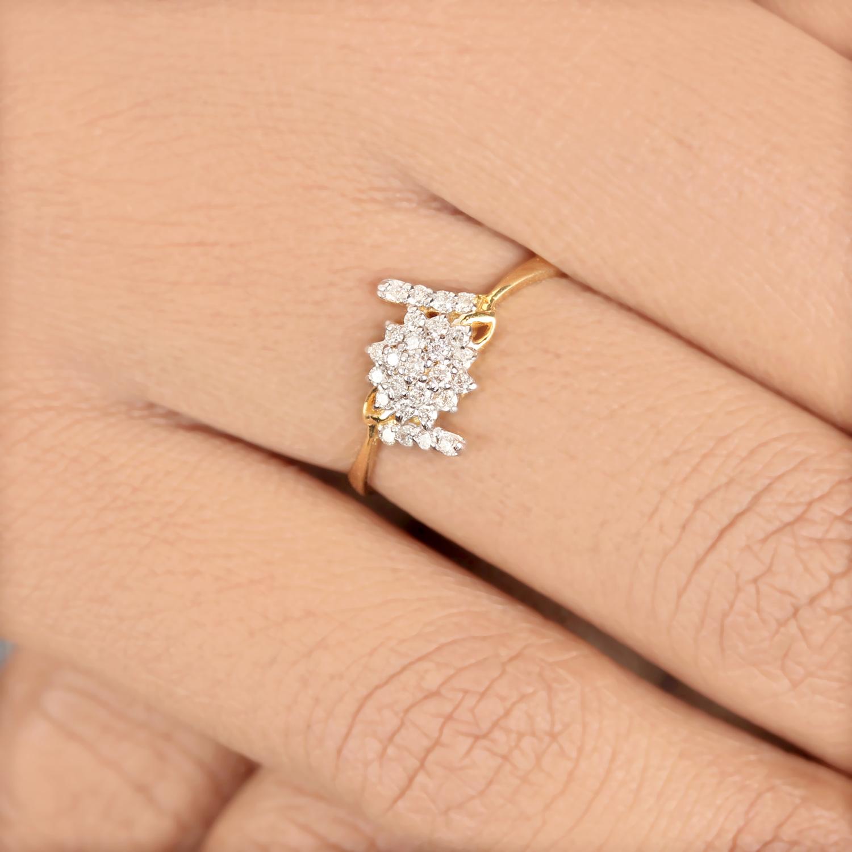 Beautiful Flower Design Ring