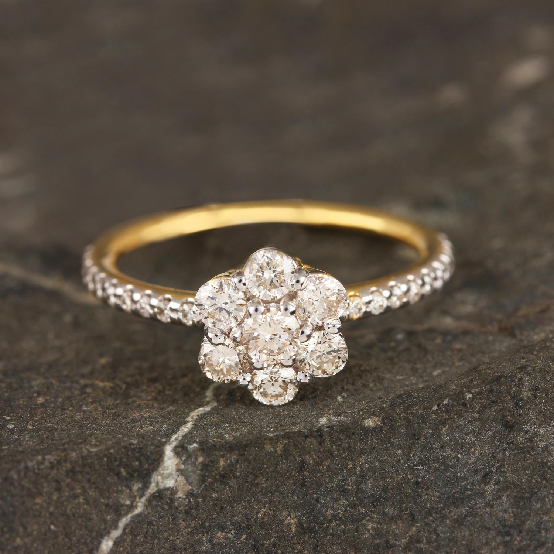 Diamond In Yelllow Gold Ring