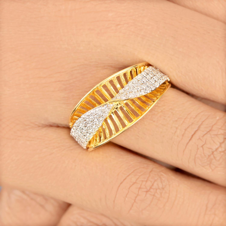 Beautiful Design In Gold Ring