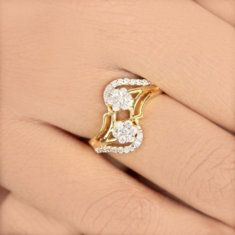 Flower Design In Gold Ring