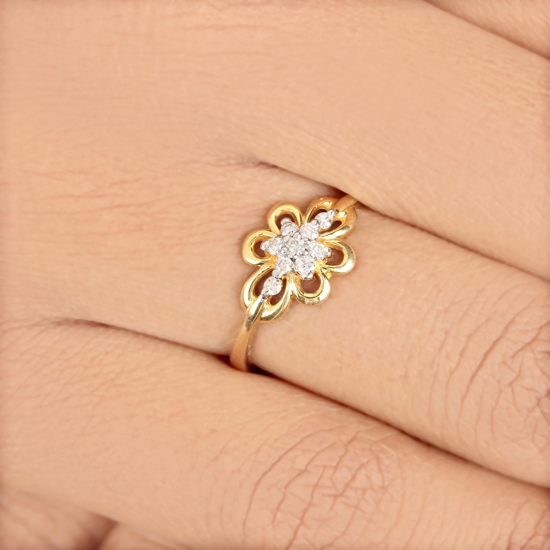 Flower Design In Diamond Ring