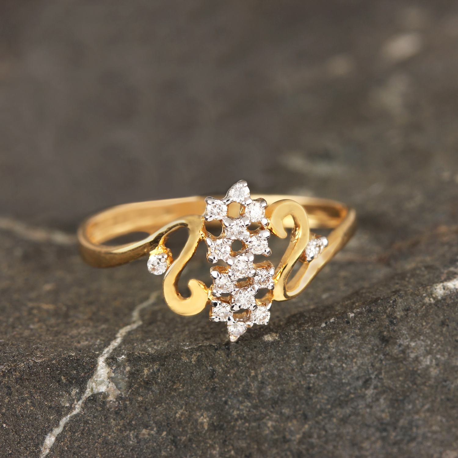 Gold Ring with Beautiful Design