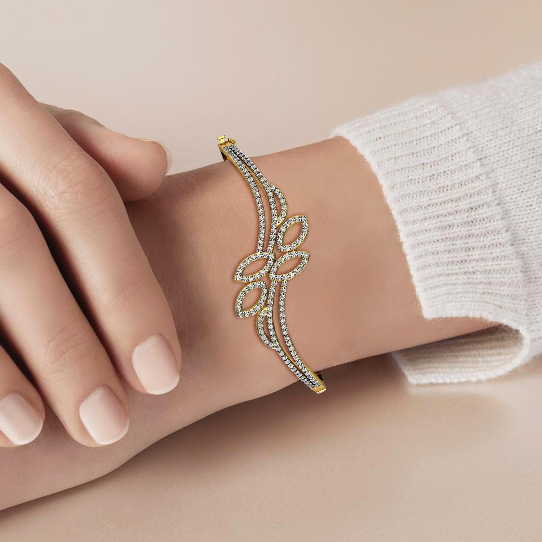 Heart Design Bracelet with Diamond & Emerald